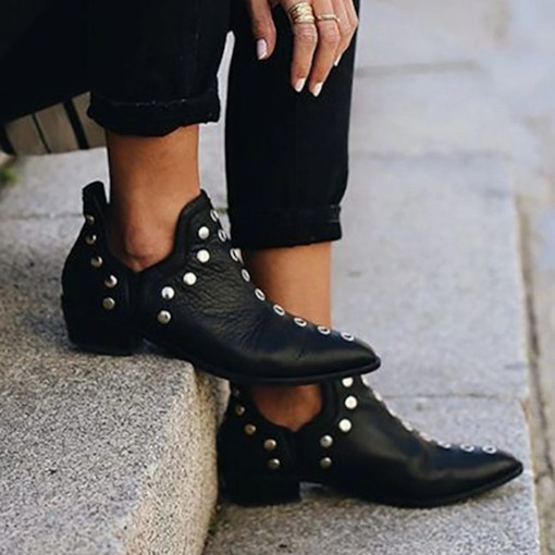 Plain Pointed Toe Block Heel Slip-On Rivet Boots