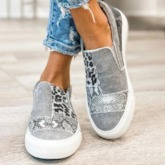 Slip-On Low-Cut Upper Serpentine Round Toe Flat With Sneakers