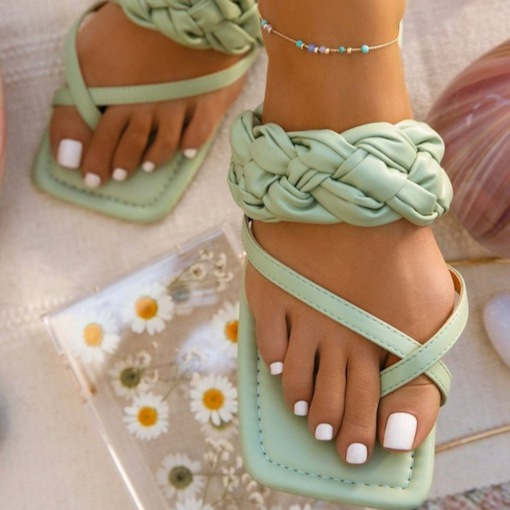 Woven Toe Ring Flat With Slip-On Plain Slippers