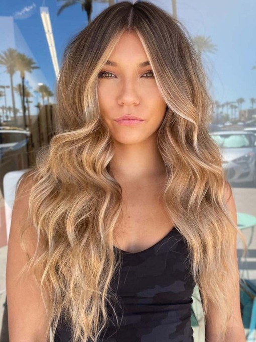 Natural Looking Women's Long Wavy Synthetic Hair Capless 26 Inches 130% Wigs