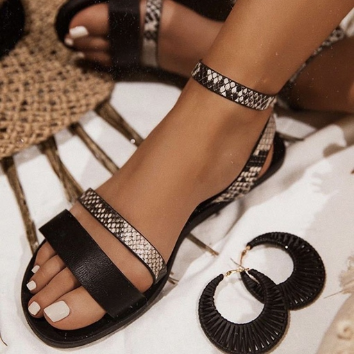 Buckle Round Toe Flat With Color Block Sandals
