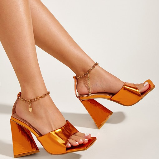 Chunky Heel Line-Style Buckle Open Toe Chain Sandals