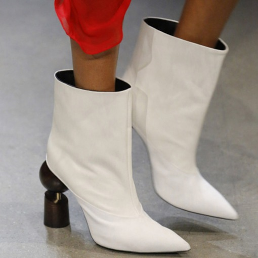 Pointed Toe Slip-On Plain Banquet Boots