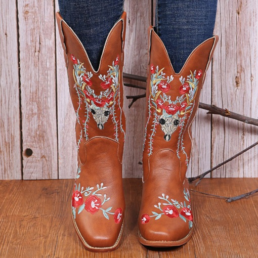 Slip-On Round Toe Block Heel Floral Embroidery Boots