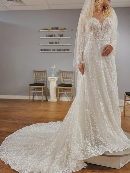 Lace A-Line Long Sleeves Lace Garden Wedding Dress 2021