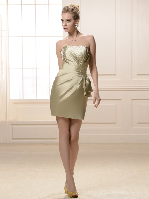 Pleats Strapless Knee-Length Bridesmaid Dress