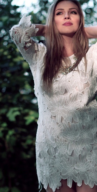 How To Match White Half Sleeve Lace Dress 1