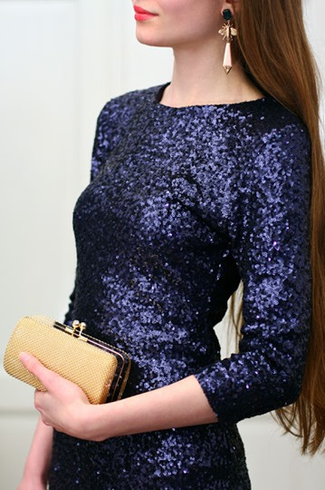 Golden Clutch Bag for A Prom 1