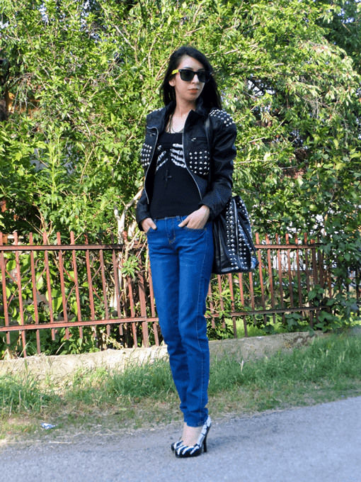 Show Hipster Style with Simple Jeans 1