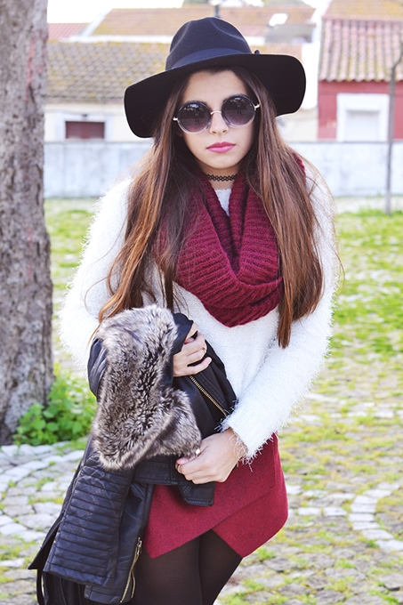 Fashion Outfits with White Sweater and Burgundy Shorts 3