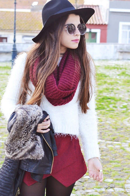 Fashion Outfits with White Sweater and Burgundy Shorts 4